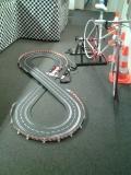 Carrerabahn mit Fahrradantrieb - Fahrradgenerator